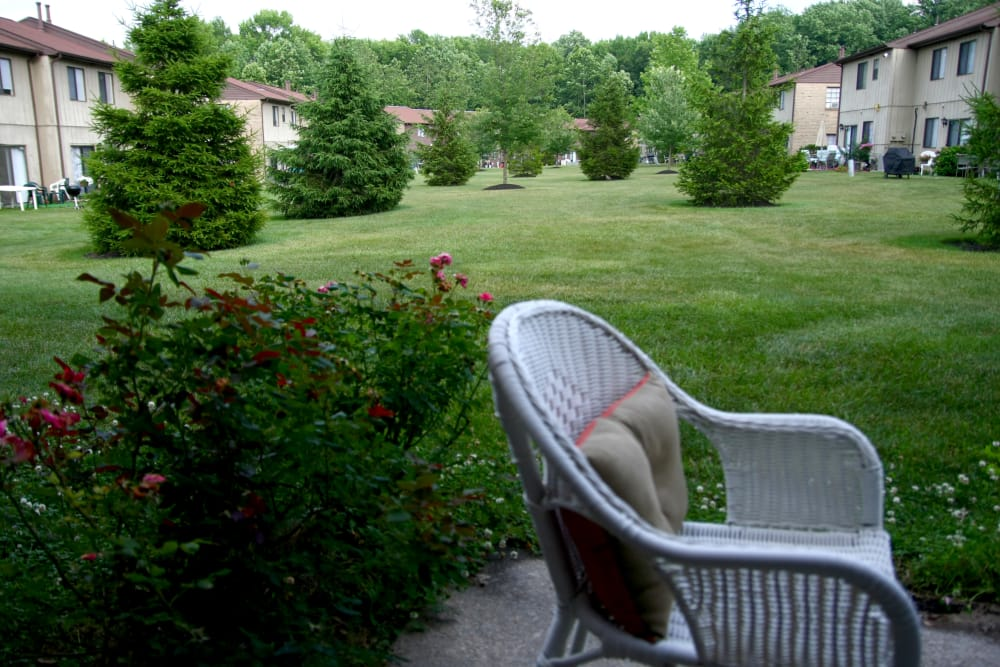 Beautifully maintained landscaping at Timber Ridge