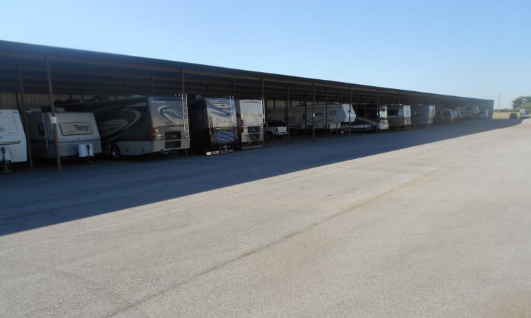 Ample RV storage at Aarons Self Storage 5 in Waco, Texas