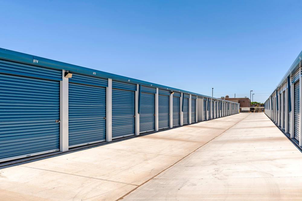 Exterior units at Metro Self Storage in Lubbock, Texas