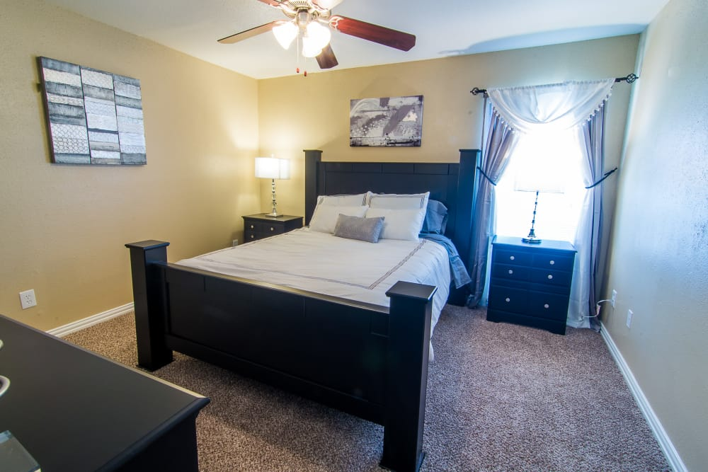 Large bedroom at Meadowbrook Apartments