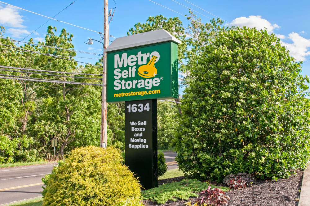 Sign at Metro Self Storage in Warminster, Pennsylvania