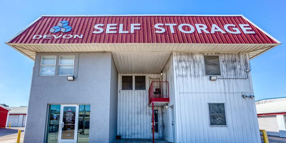 Front entrance to Devon Self Storage in Austin, Texas