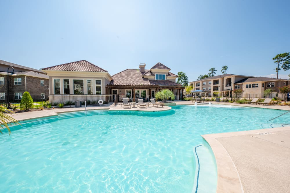 Beautiful swimming pool at Hilltops in Conroe, Texas