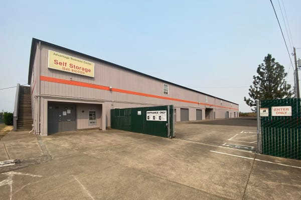 Wide driveways and a fully-gated facility at South Albany Self Storage in Tangent, Oregon