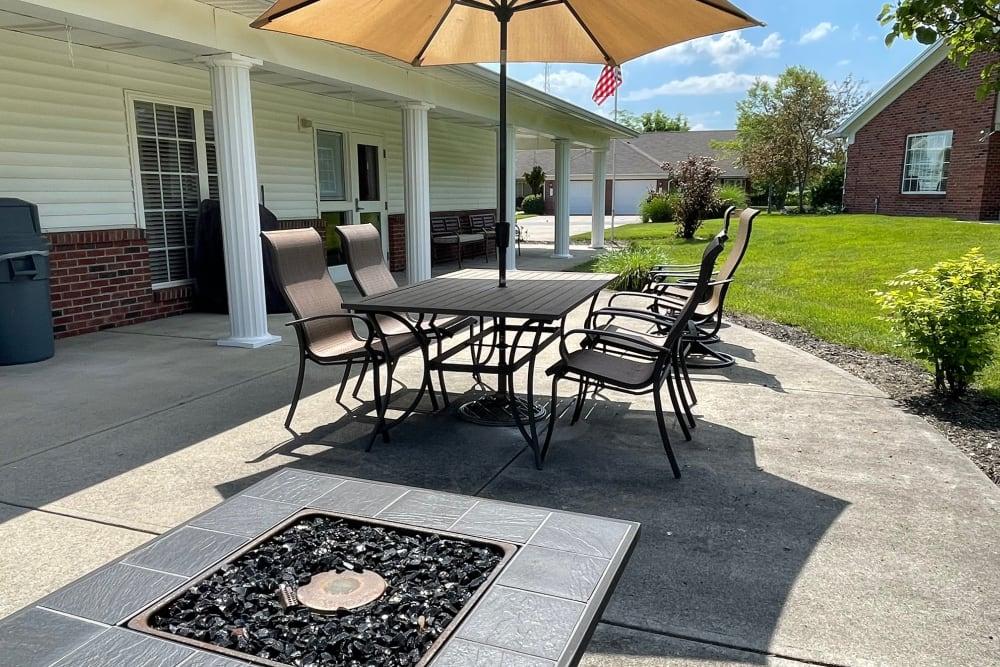 Outdoor lounge area at Triple Creek Retirement Community in Cincinnati, Ohio