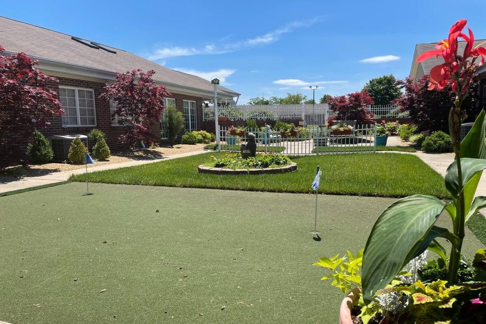 Putting green at Triple Creek Retirement Community in Cincinnati, Ohio
