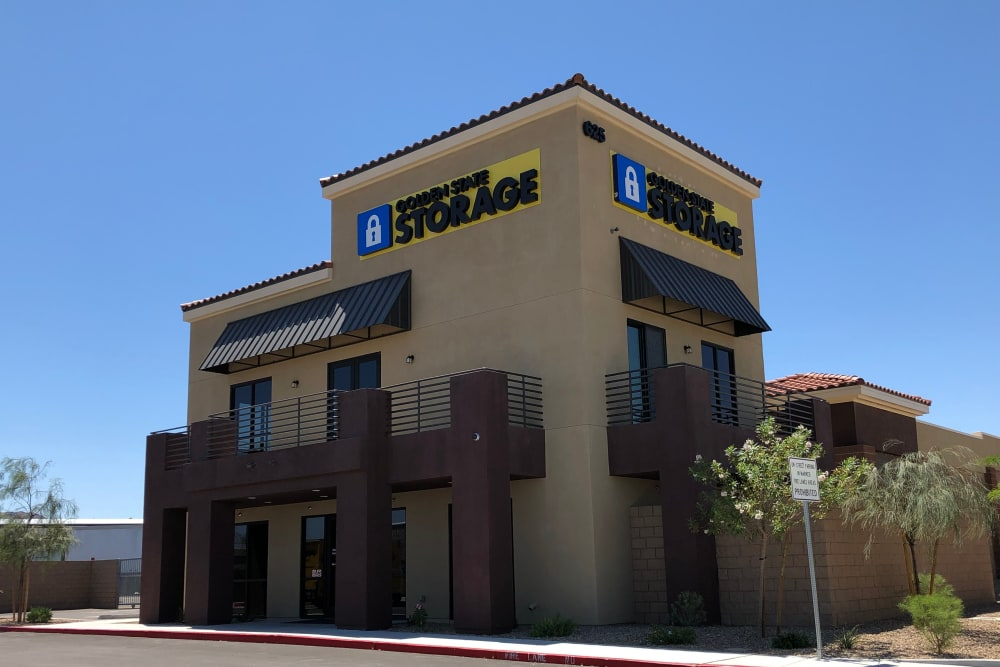 Exterior view of Golden State Storage Cadence in Henderson, Nevada