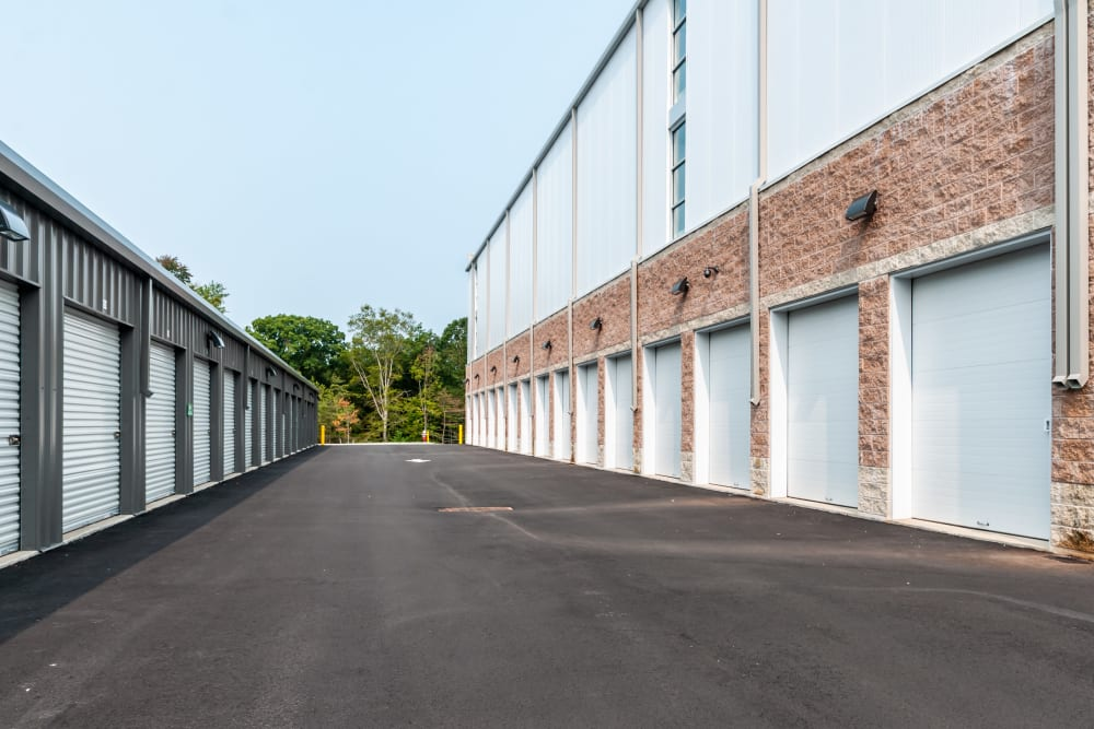 Large drive up units at Metro Self Storage in Monmouth Junction, NJ