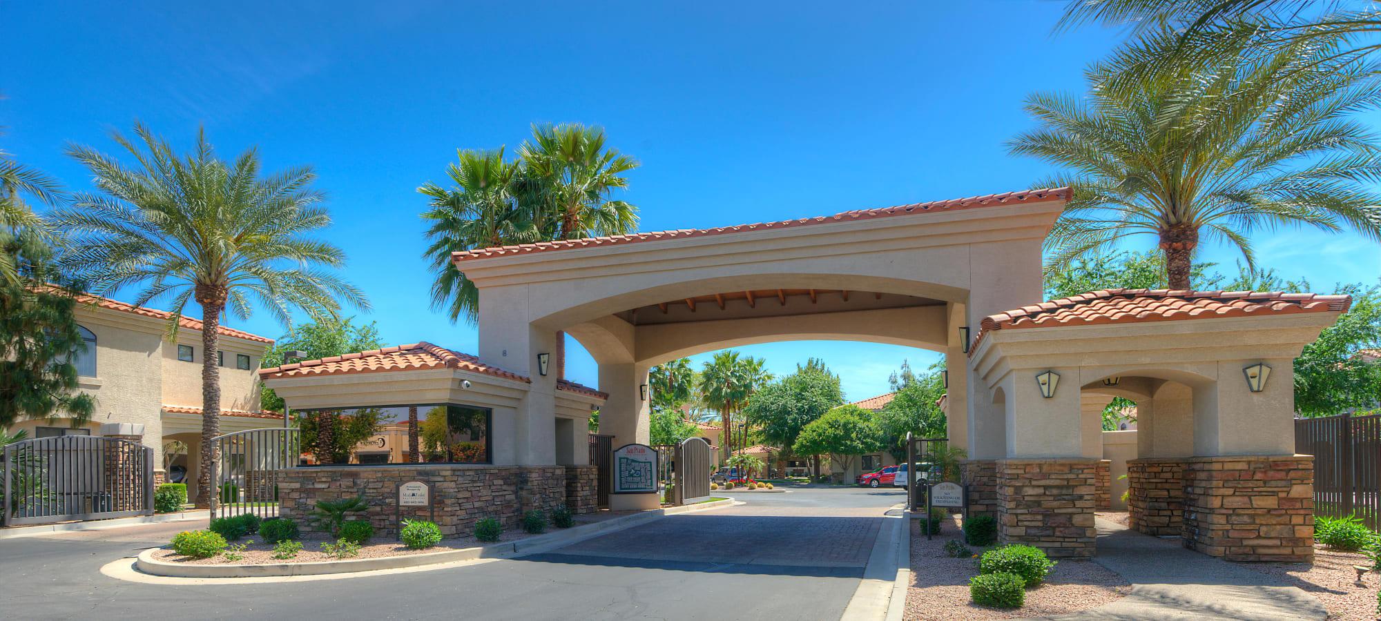 Entryway to San Prado in Glendale, Arizona