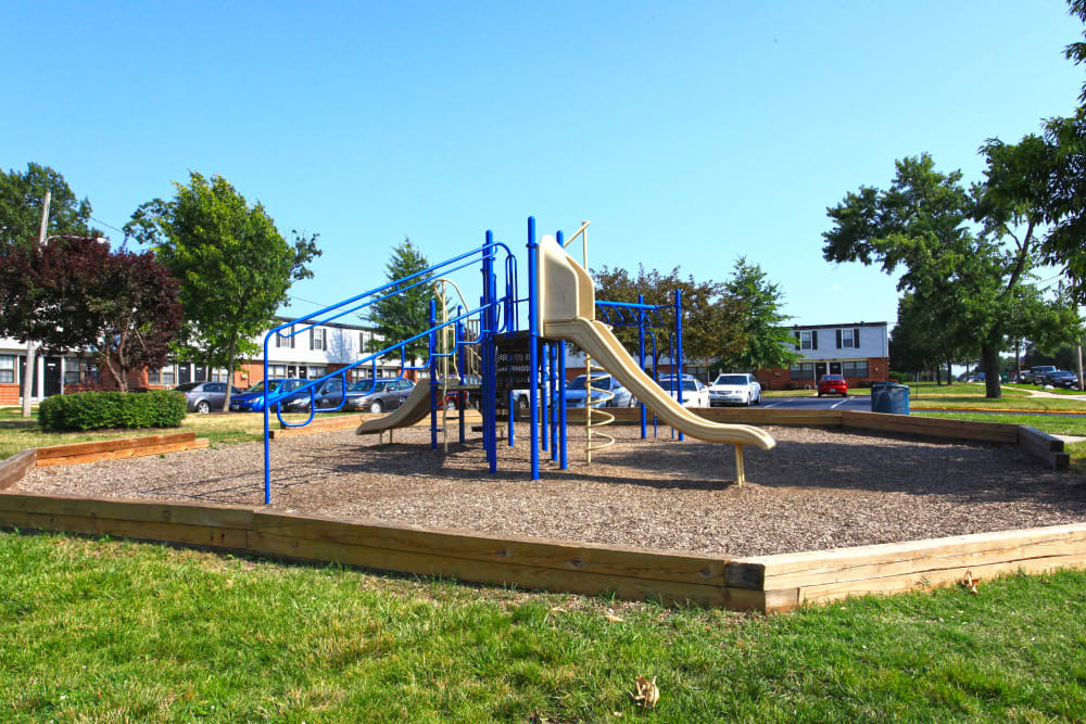 Apartments with good playground in Halethorpe, Maryland