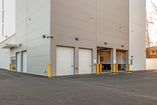 Metro Self Storage in North Plainfield, New Jersey large exterior storage units