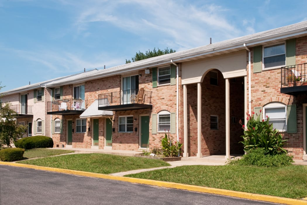 Exterior view at Jamestown Square Apartments in Blackwood, New Jersey