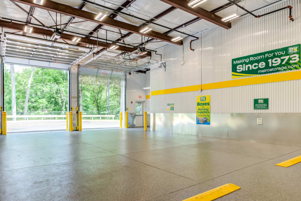 Drive in access to transport area at Metro Self Storage in Mount Laurel