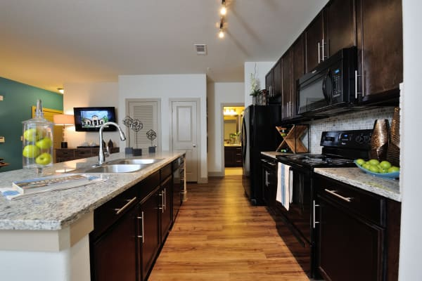 Fully equipped kitchen at Cordevalle Apartments