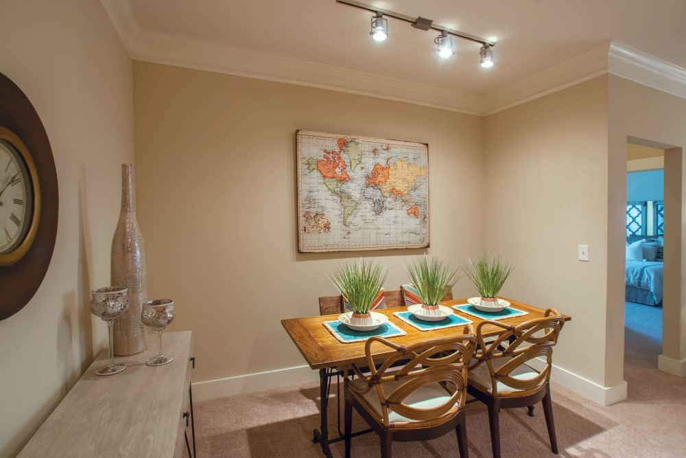Dining Table at Atlanta apartments