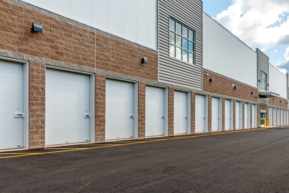 Outdoor drive-up access storage units with roll up doors Metro Self Storage in Line Lexington, Pennsylvania