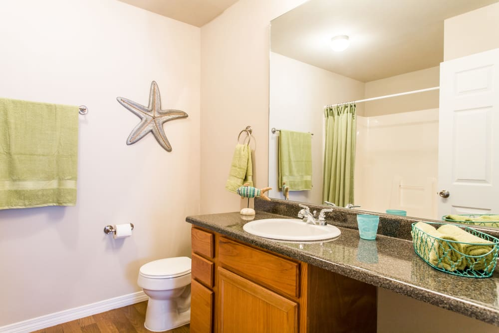 Grand Biscayne offers a bright bathroom in Biloxi, Mississippi