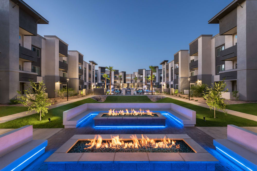 View the amenities at Aviva in Mesa, Arizona
