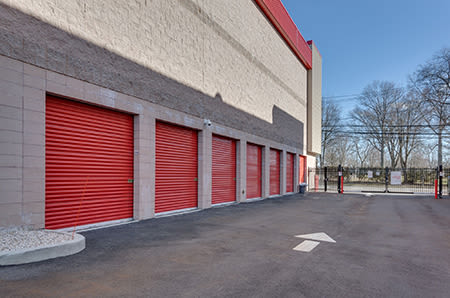 Drive up units at StorQuest Self Storage in Tigard, Oregon