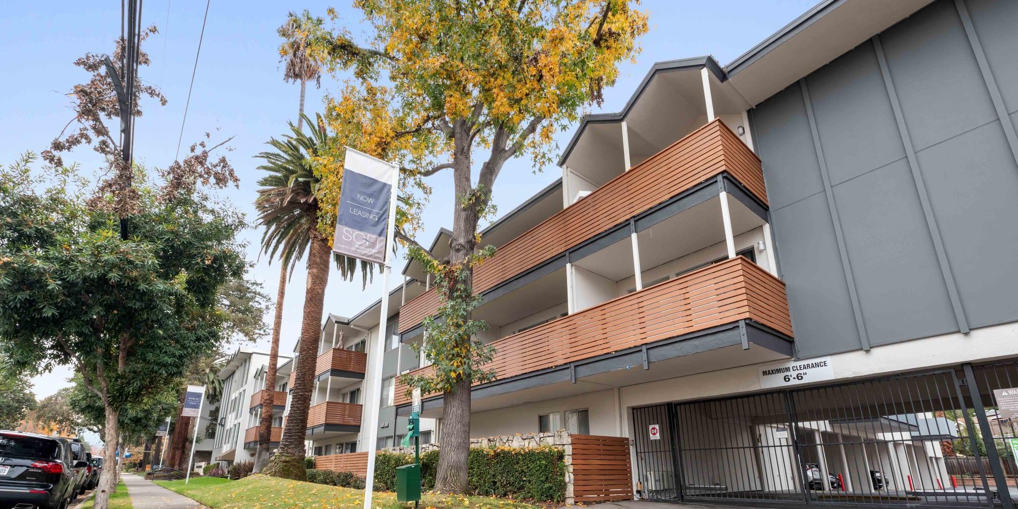 Apartments at Sofi Redwood Park in Redwood City, California
