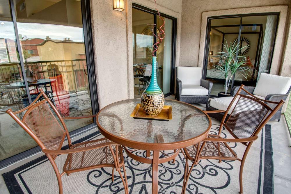 Patio seating at Oro Vista Apartments in Oro Valley, Arizona