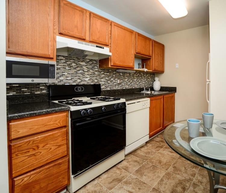 Kitchen room at Cedar Creek Apartment Homes in Glen Burnie, Maryland