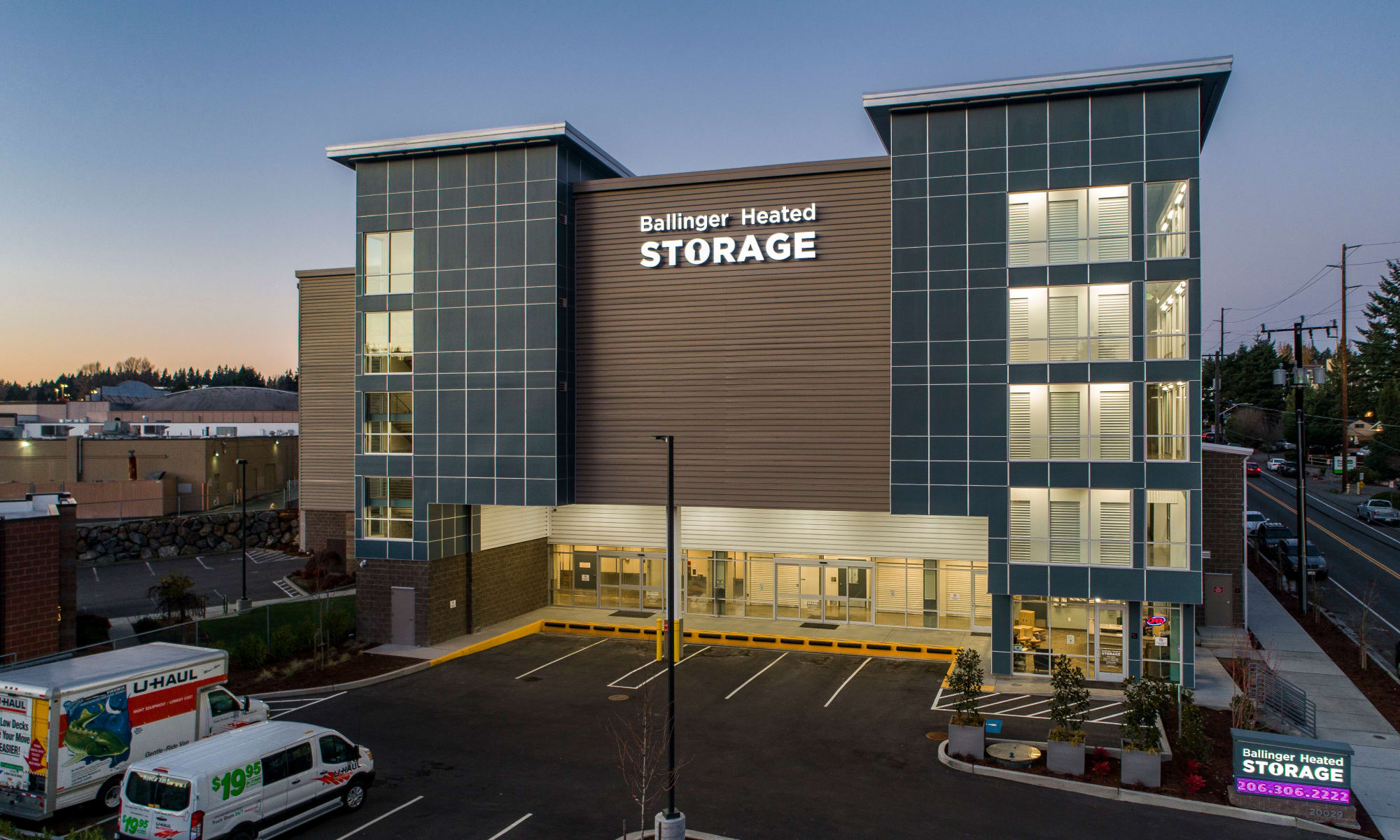 The front of Ballinger Heated Storage in Shoreline, Washington