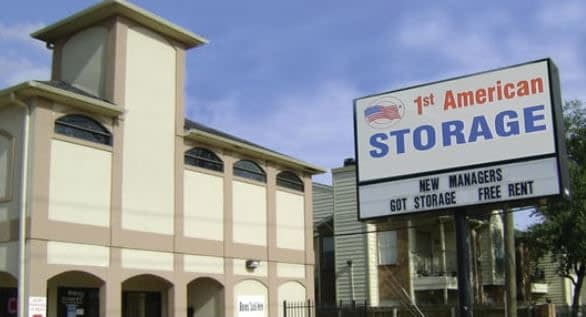 Front view of the leasing office at 1st American Stor-It in Katy, Texas