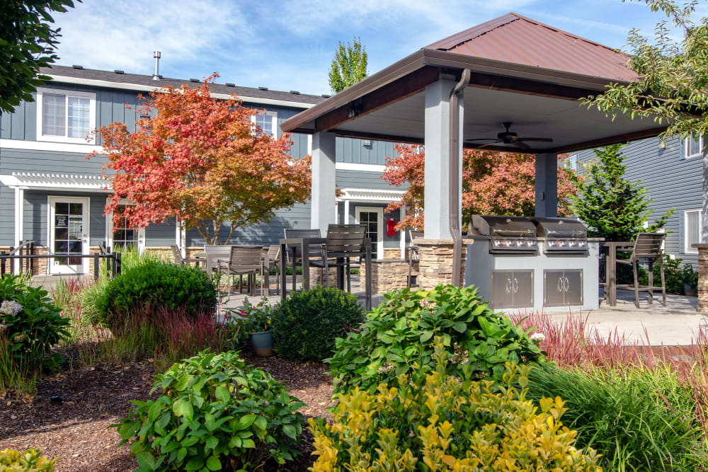 Picnic area at The Addison Apartments in Vancouver, Washington