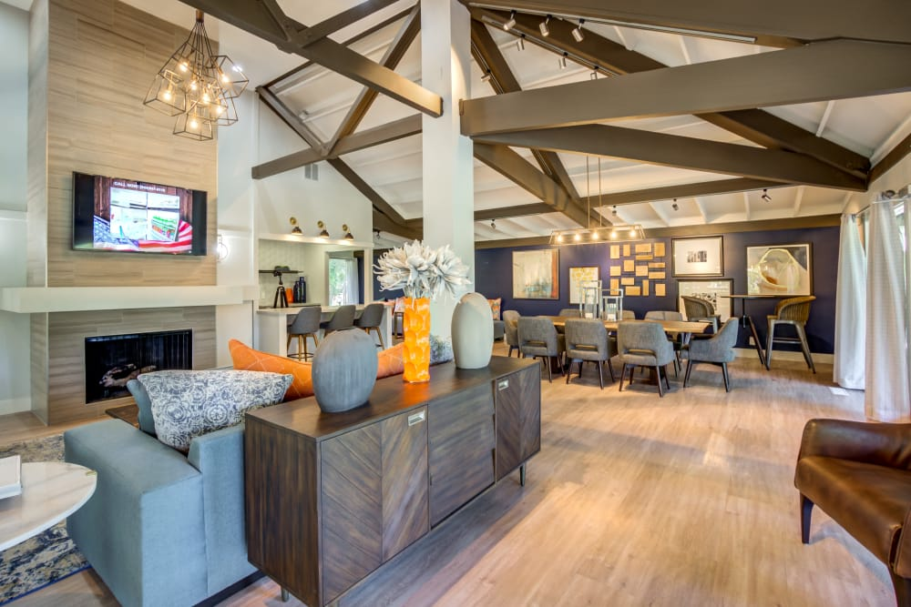 Sofi Fremont offers a beautiful clubhouse in Fremont, California