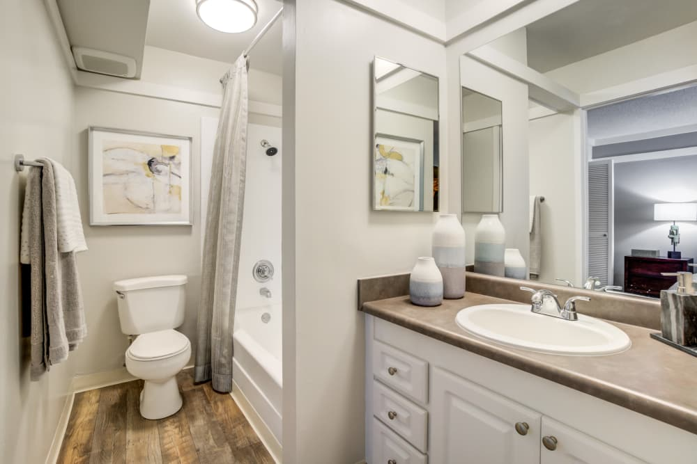 Enjoy apartments with a modern bathroom at Sofi Fremont
