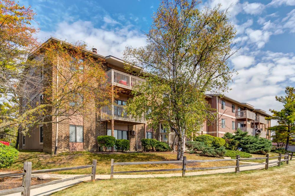 Photos Lakeside Apartments In Wheaton Il