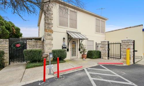 Office Space at Huebner Mini-Stor in San Antonio, Texas
