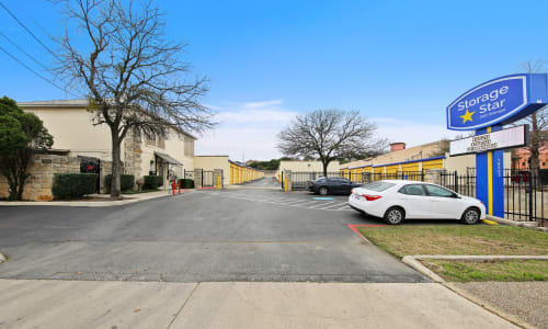 Storage Street View at Huebner Mini-Stor in San Antonio, Texas