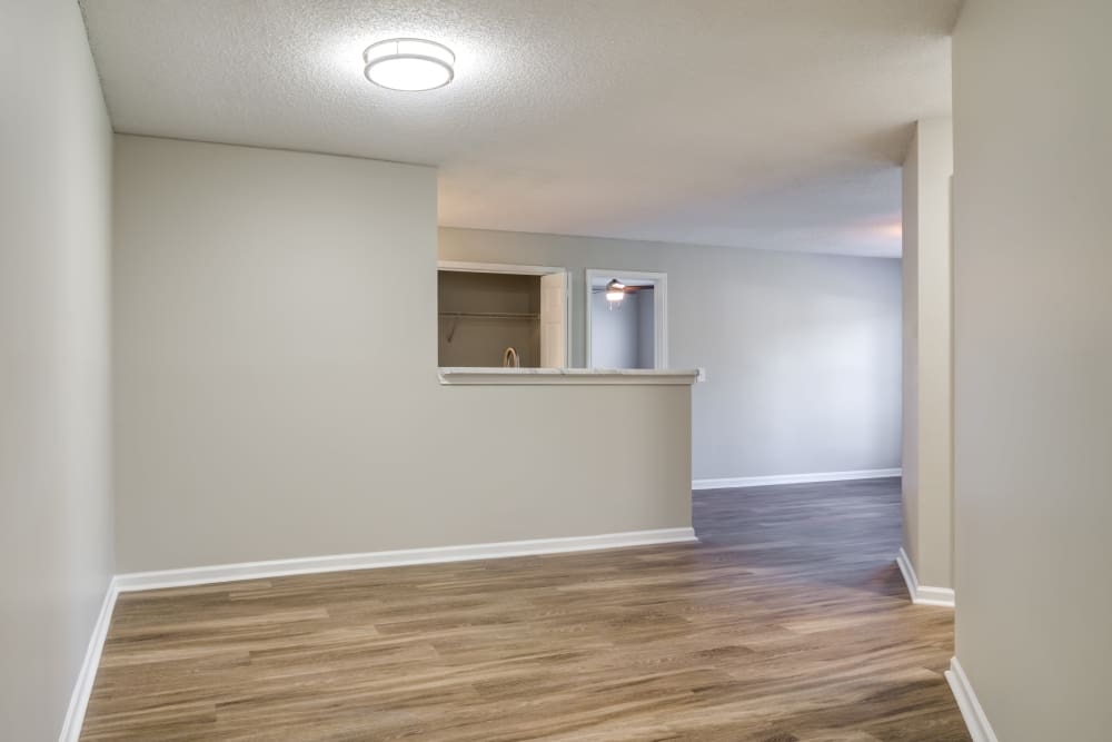 Keystone Farms offers luxury apartments with hardwood floors in Nashville, Tennessee