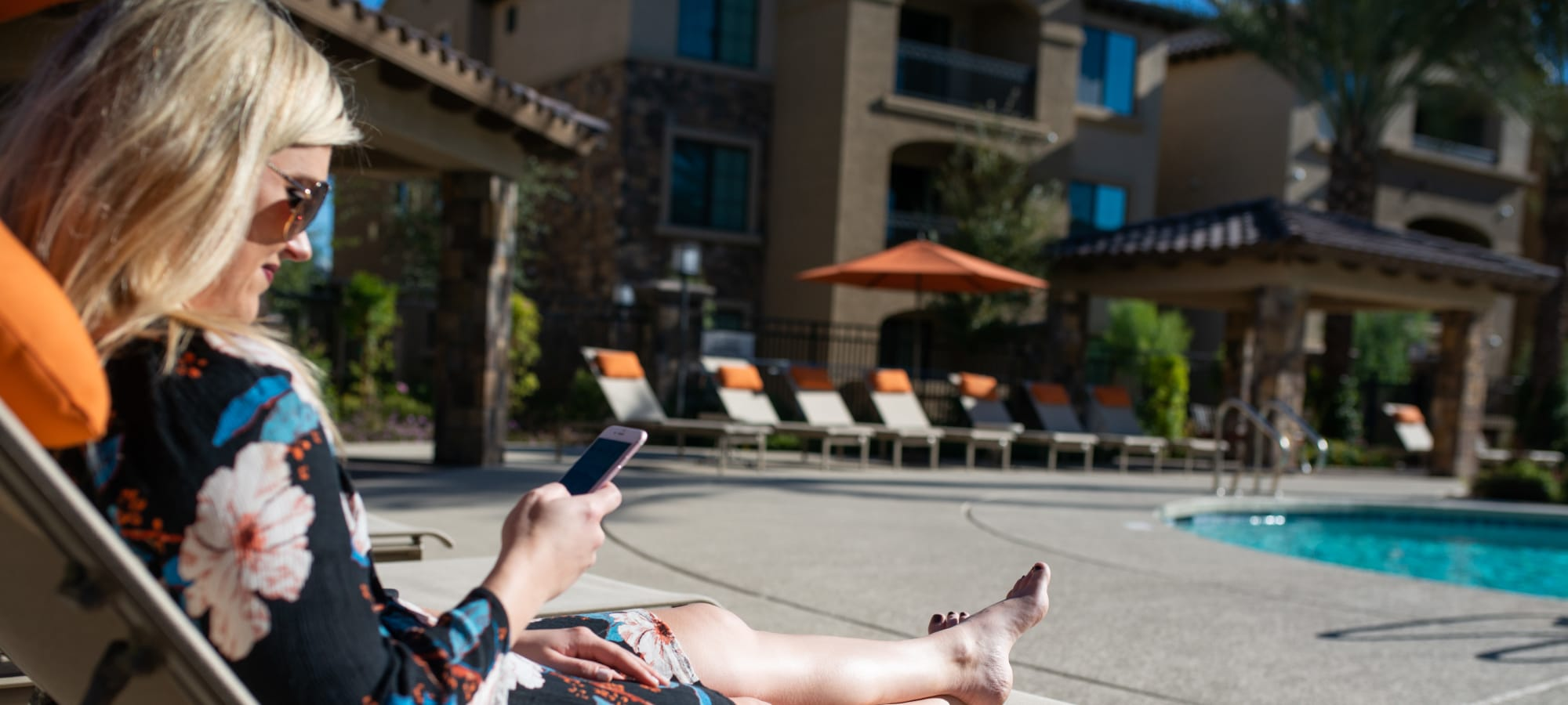 Sundeck with plenty of patio seating at BB Living at Val Vista in Gilbert, Arizona