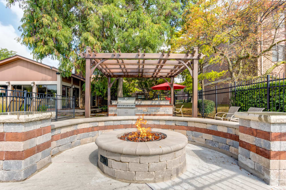 Enjoy apartments with a unique bbq area at Lakeside Apartments