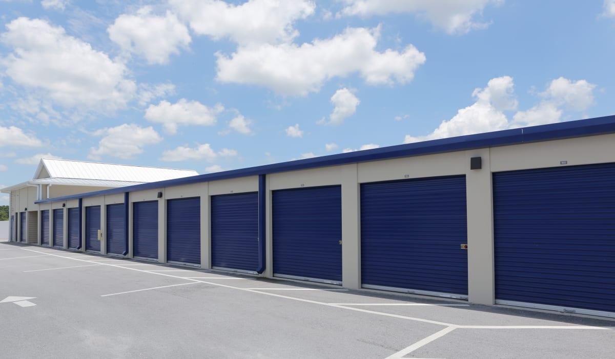 Exterior units at Midgard Self Storage in Bradenton, FL
