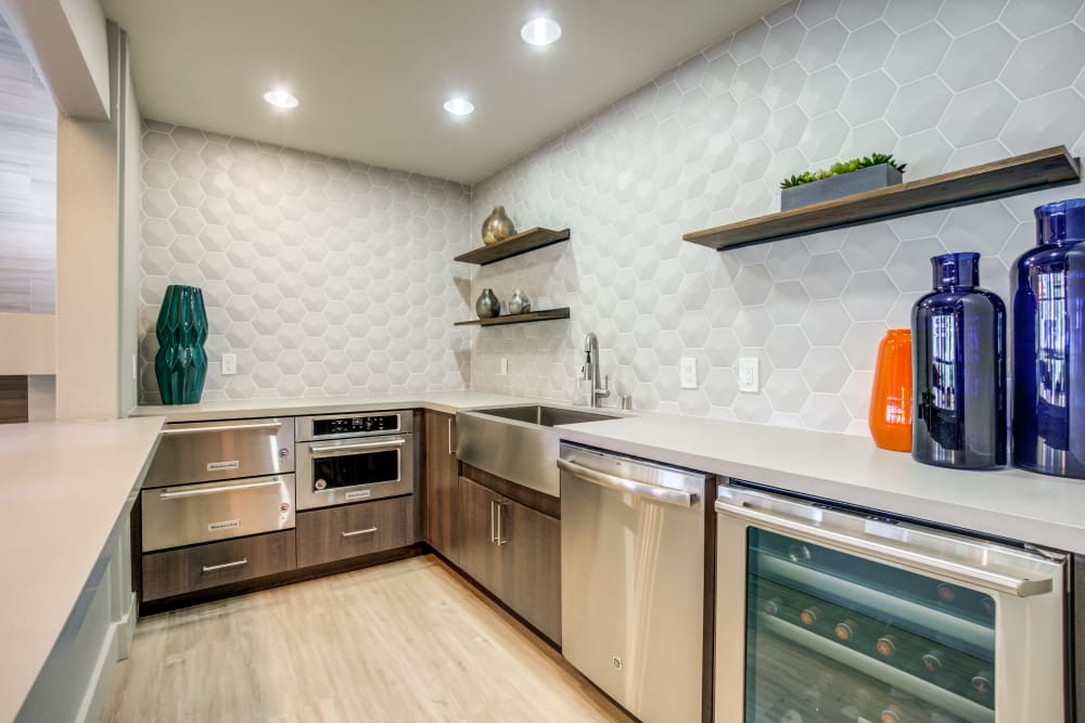 Our clubhouse in Fremont, California showcase a modern kitchen