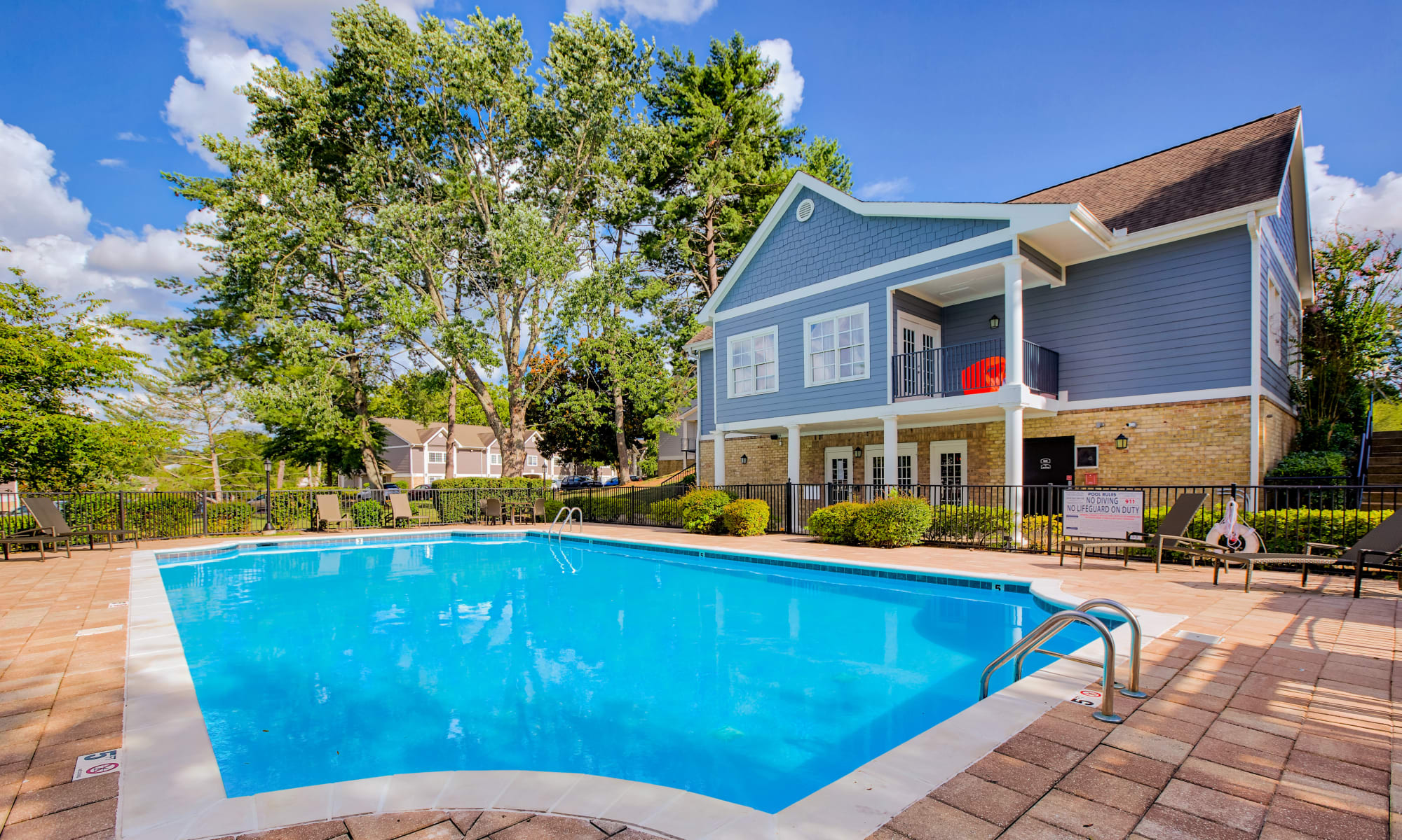 Swimming pool at 865 Bellevue Apartments in Nashville, Tennessee