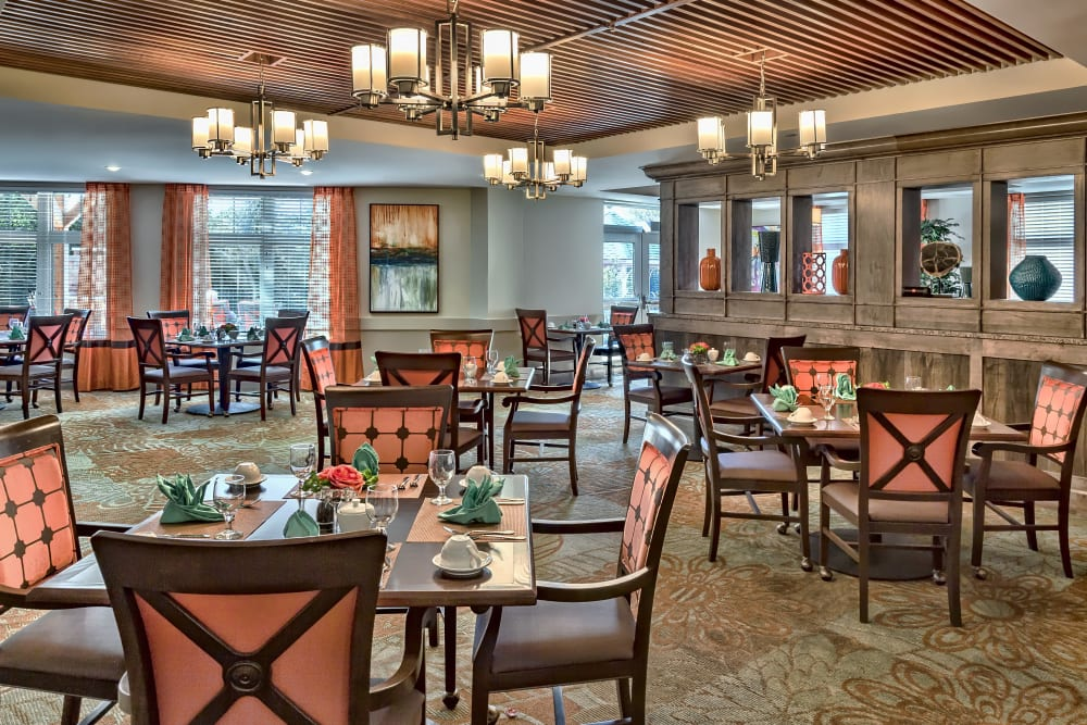 Spacious resident dining room at Aspired Living of Prospect Heights in Prospect Heights, Illinois.