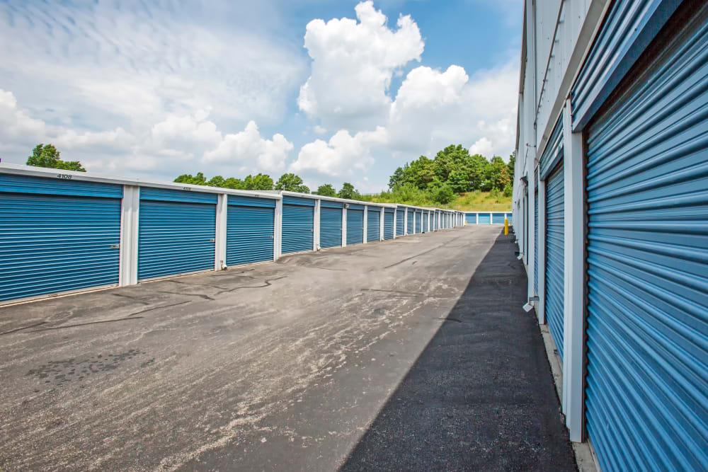 Metro Self Storage offers outdoor units in Staten Island, New York