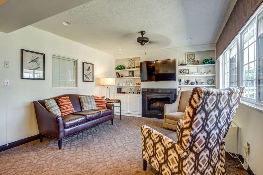 Ample living room at Glen Ridge Health Campus in Louisville, Kentucky