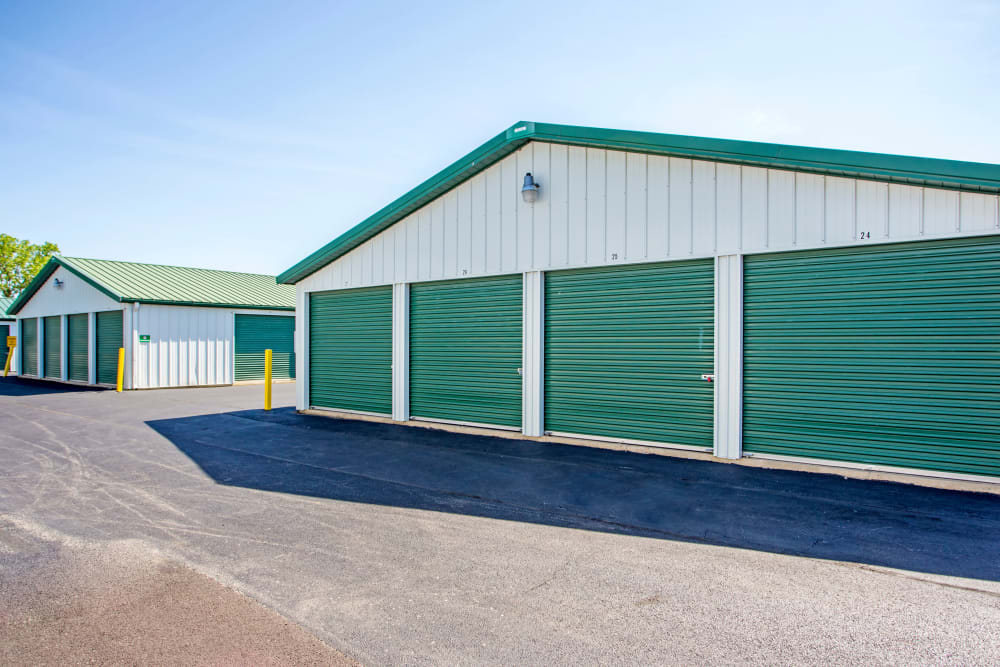 Exterior Units at Metro Self Storage in Beach Park, IL