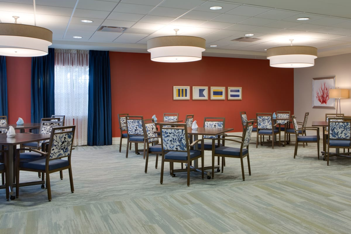 Primary dining room at Beach House Assisted Living & Memory Care at Wiregrass Ranch in Wesley Chapel, Florida