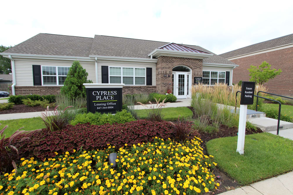 Exterior view and gardens at Cypress Place in Elk Grove Village, Illinois