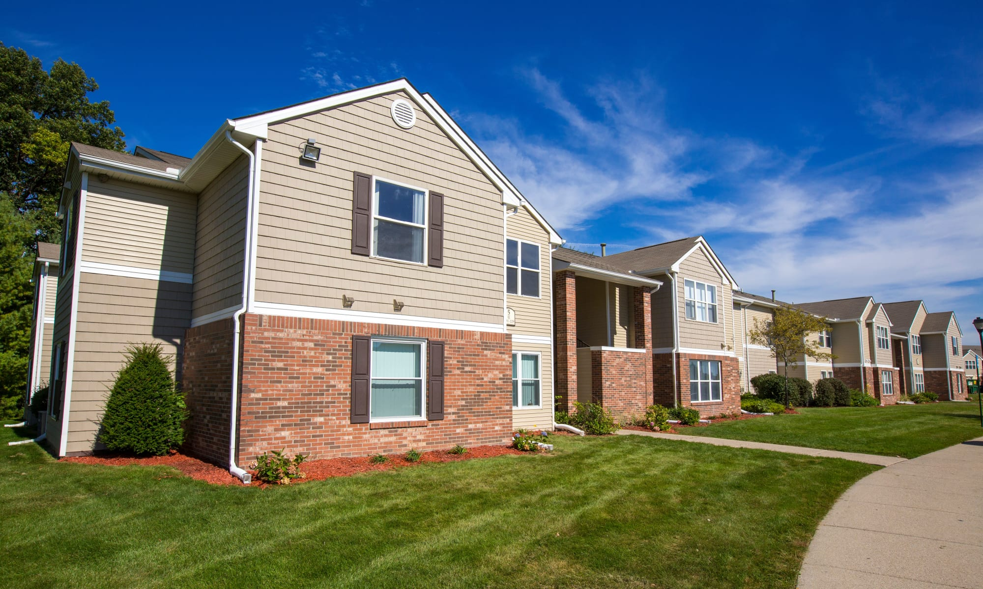 Apartments at The Crossing at Auburn Hills in Pontiac, Michigan