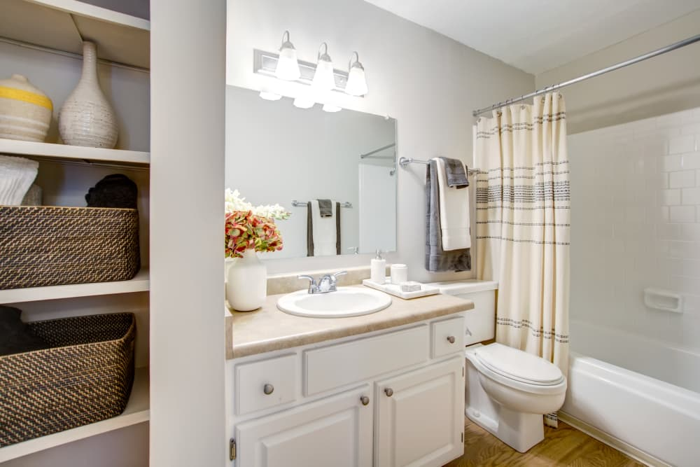 Waterstone Fremont offers a spacious bathroom in Fremont, California
