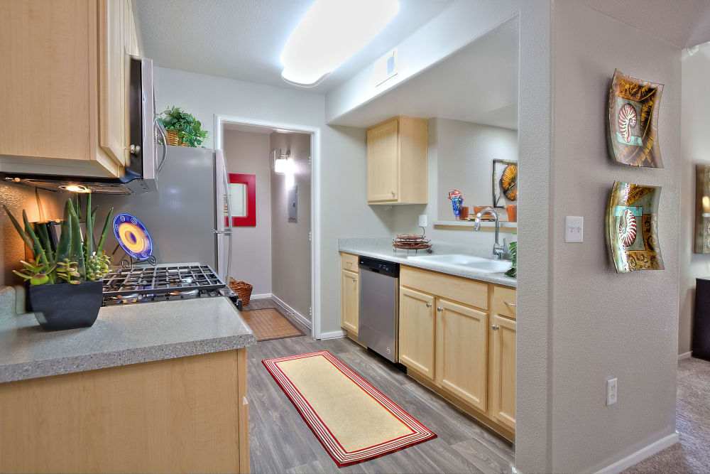 Cielo Apartment Homes offers a kitchen in Henderson, Nevada