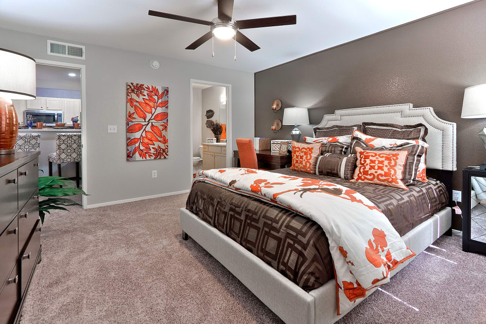 Modern bedroom at Cielo Apartment Homes in Henderson, Nevada